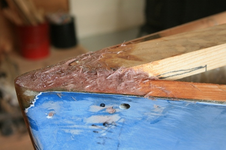 Forward end of king plank is bedded into bow.