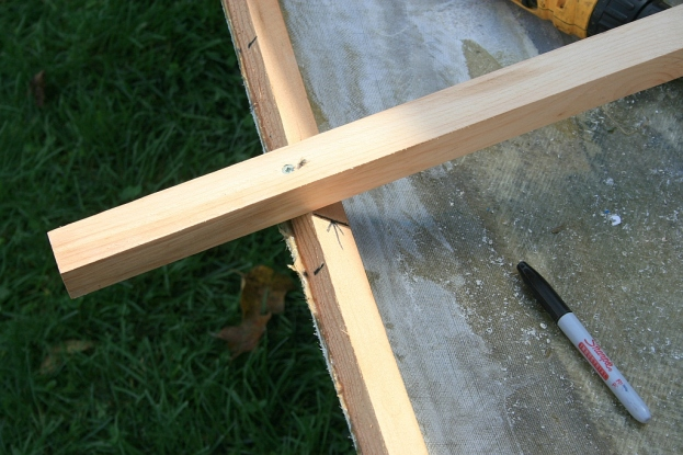 Cross spalls are tacked in place to establish hull widths.