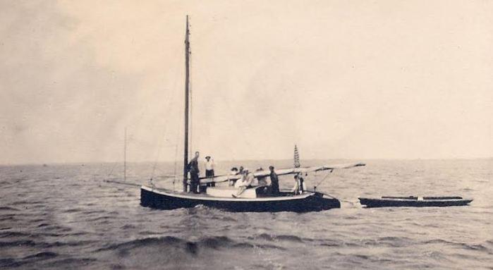 THORNE catboat + skiff