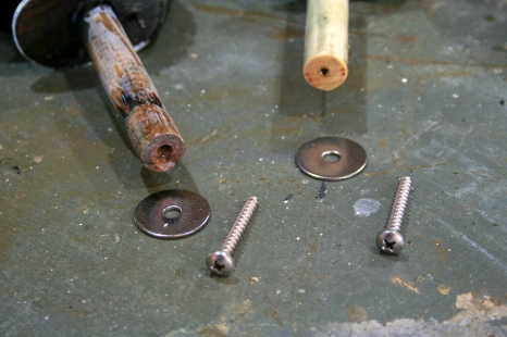 10 - Stainless fender washers and longer panhead screws replace the original galvanized.